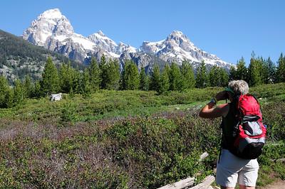 J'essaie de trouver des animaux à la jumelle....echec! Grand Teton et Mount Owen dans l'axe!